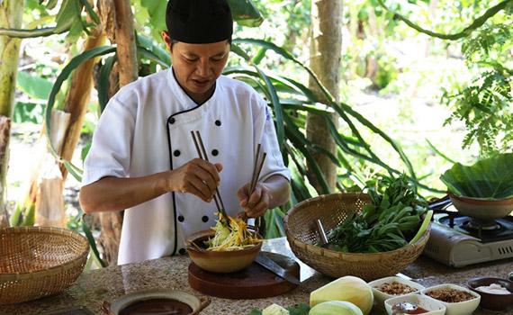 自家菜園で作られた食材を使ったオーガニック料理